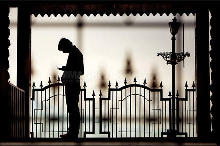 Modern Day Loneliness - Himanshu Khagta