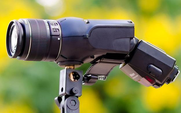 Light blaster a strobe-based image projector